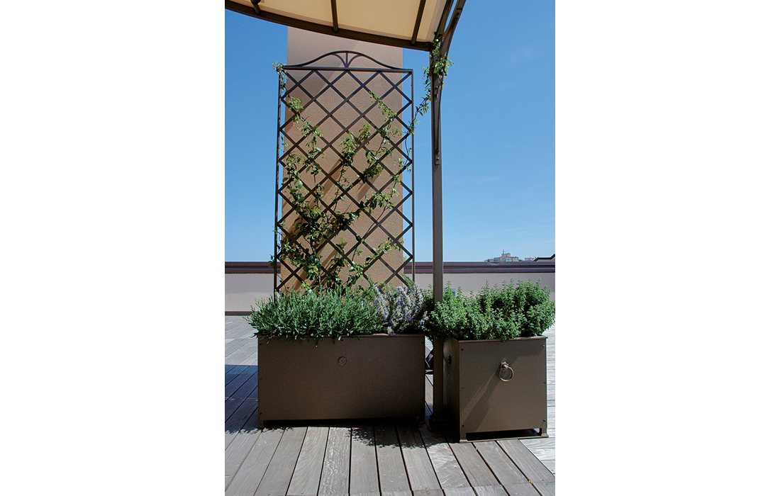 Fioriere e grigliati arredo giardino ercole tempo libero for Grigliati con fioriera